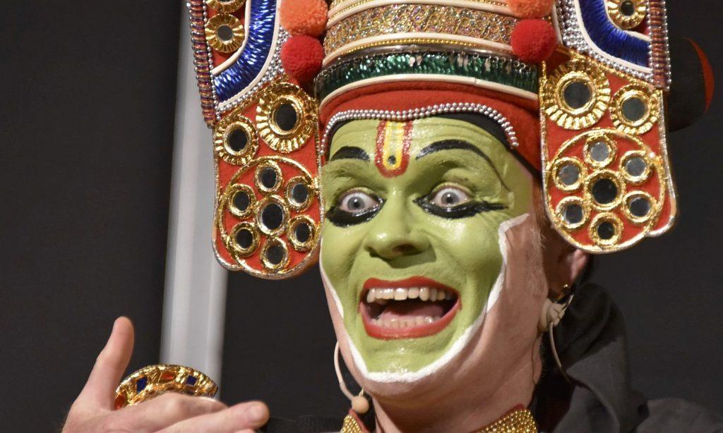 Hartmut Schmidt Indisches Thullal Tanztheater