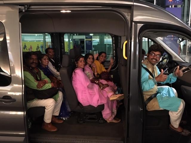 Ankunft der indischen Künstler für die DIG Ringtour 2018